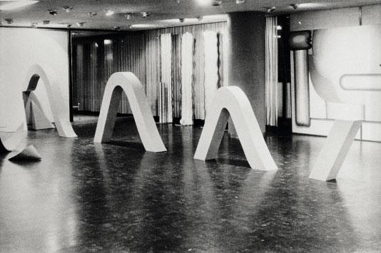 1967-Sinusoide,-instalación